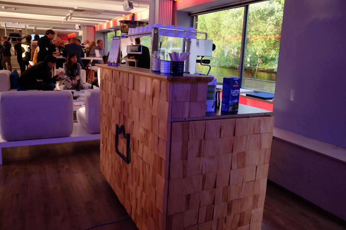 Kaffeebar in Seminarschiff Kaffee Catering VW