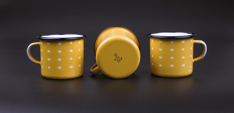 KOENIG-KOFFEIN-Emaille-Tasse-honiggelb